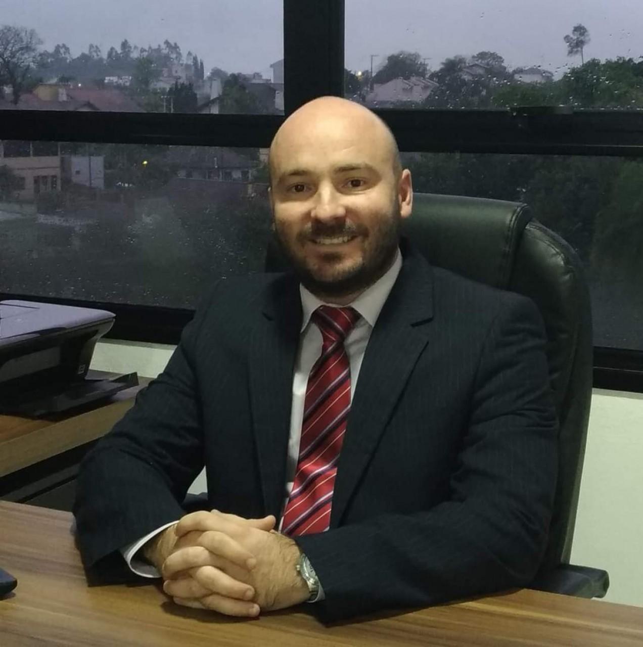 Dr. Daniel de Lima Paganella